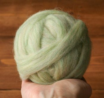 Wool Roving for Needle Felting in Celadon Green, Spring Green, Pastel, Light Green, Wet Felting, Spinning, Chunky Yarn, DIY